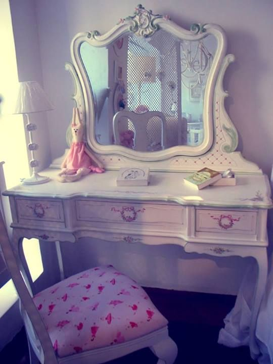 dressing table (14)