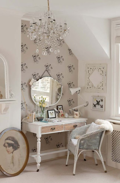 dressing table (22)