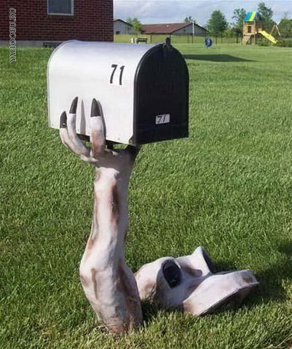 15 Fun and Scary Ideas How to Decorate Your Mailboxes for Halloween (6)