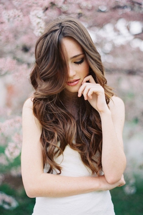 17 Gorgeous Wavy Hairstyle Ideas and Tutorials (10)