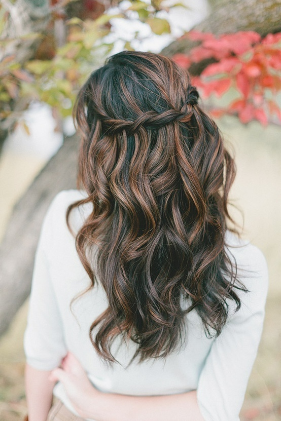17 Gorgeous Wavy Hairstyle Ideas and Tutorials (11)