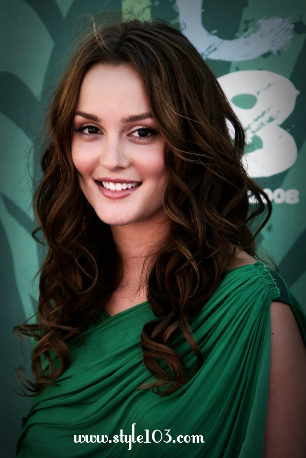 20 Gorgeous Wavy Hairstyle Ideas and Tutorials