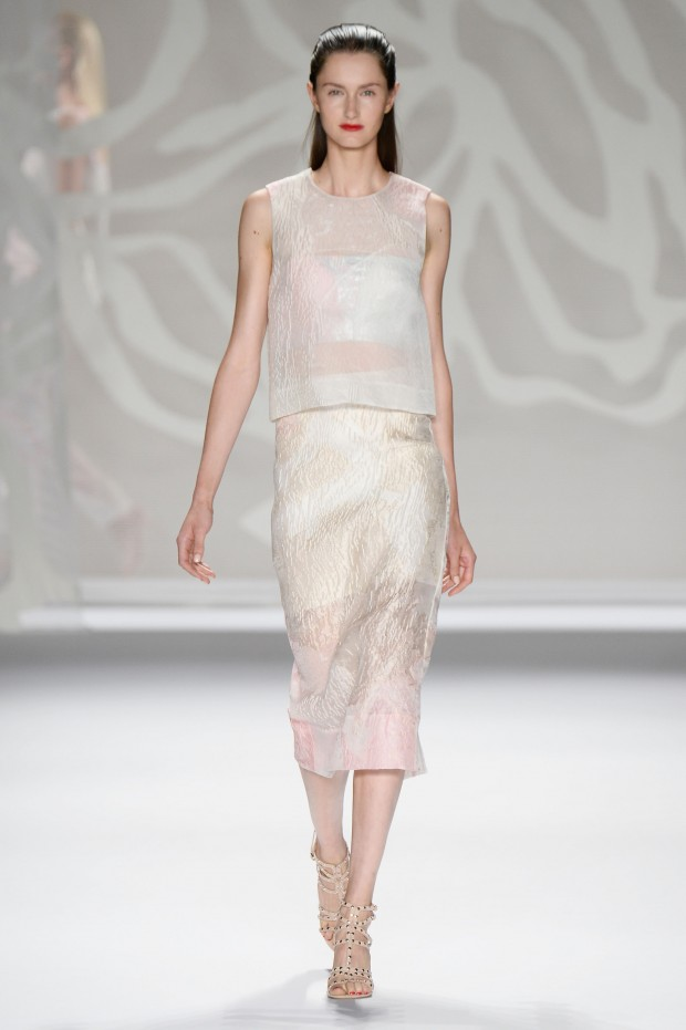 Monique Lhuillier - Runway - Mercedes-Benz Fashion Week Spring 2014