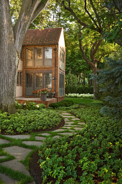 20 Landscape Outdoor Area Design Ideas in Traditional Style (9)