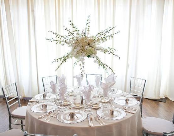 20 pure white wedding decor ideas for romantic wedding style 20 pure white wedding decor ideas for romantic wedding junglespirit Image collections