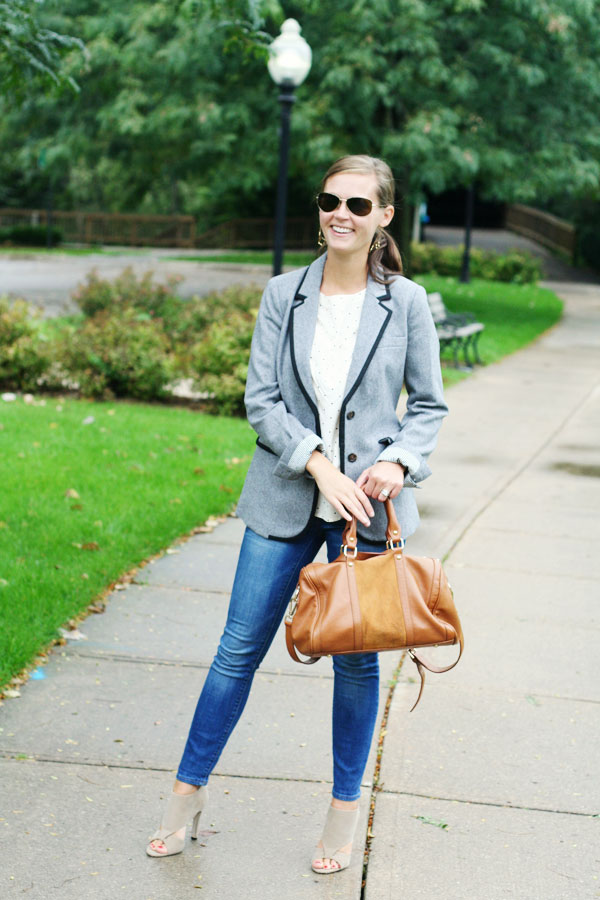 22 Popular Outfit ideas for This Season (11)