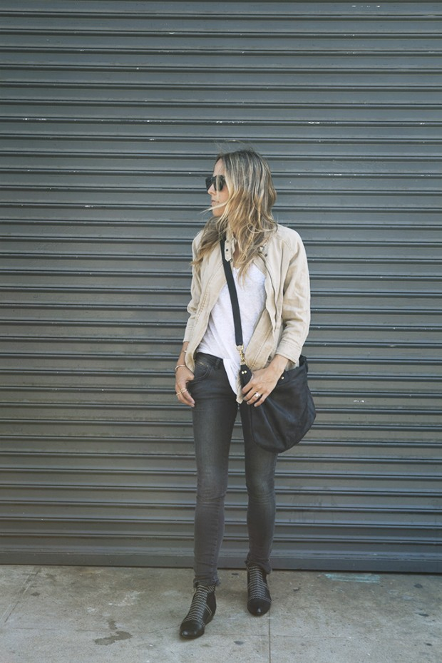 22 Popular Outfit ideas for This Season (4)