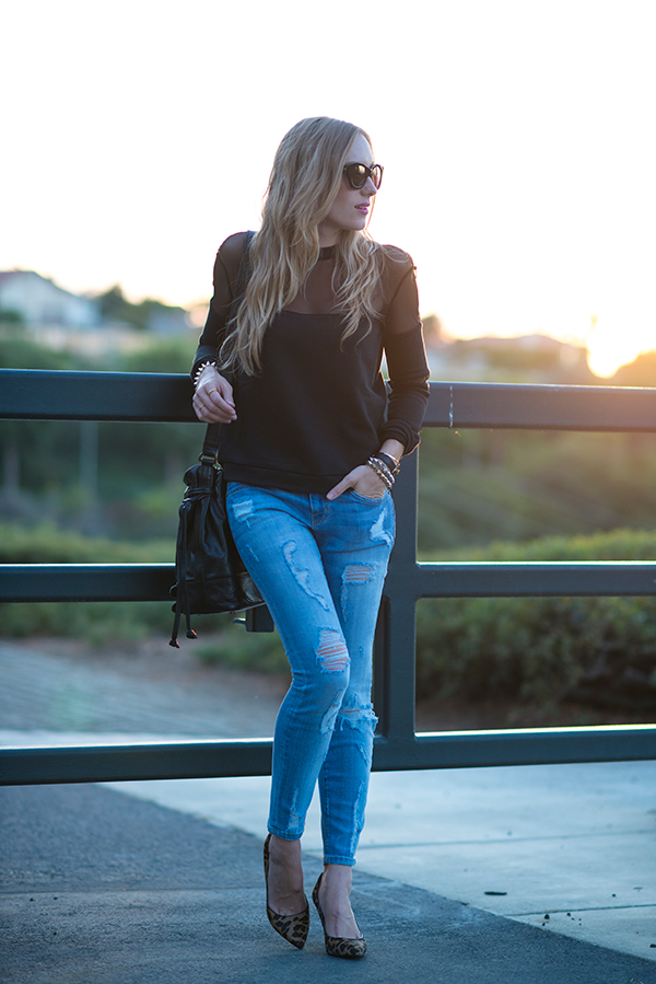 22 Popular Outfit ideas for This Season (9)