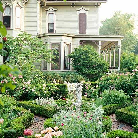 28 beautiful small front yard garden design ideas style for Formal front garden ideas