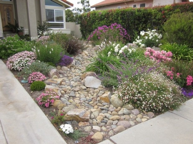 28 beautiful small front yard garden design ideas style for Small garden design ideas with lawn
