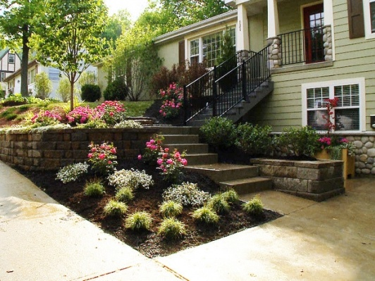 28 beautiful small front yard garden design ideas style for Front lawn landscaping ideas