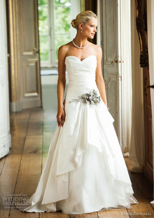 25 Romantic Wedding Dresses (4)