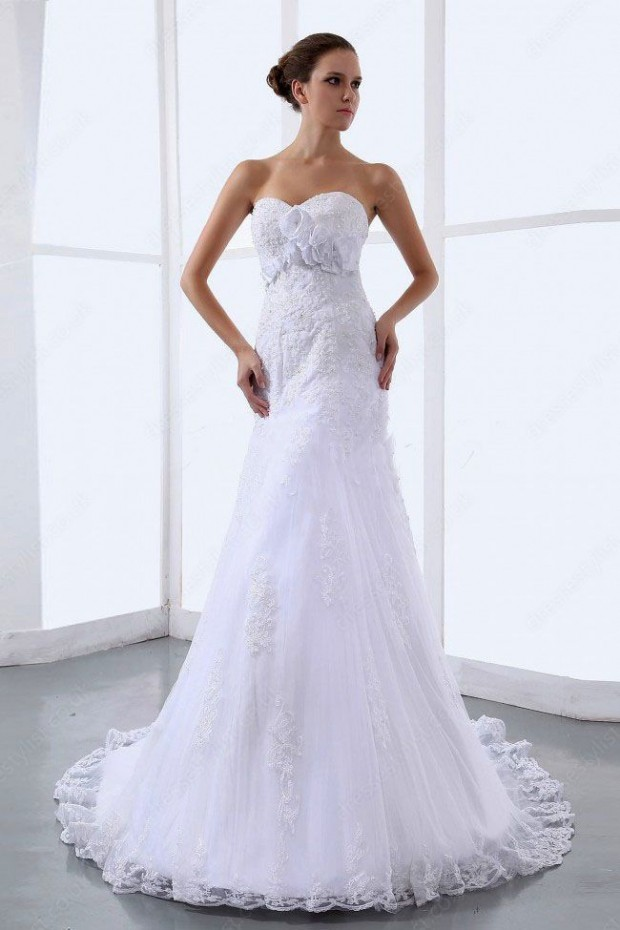 25 Romantic Wedding Dresses (7)