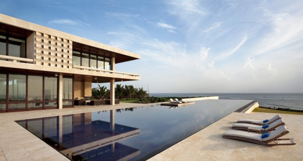 25 Spectacular Beach Houses that Will Take Your Breath Away (17)