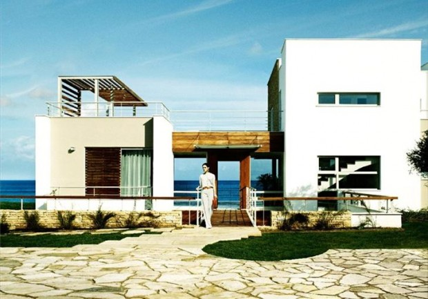 25 Spectacular Beach Houses that Will Take Your Breath Away (20)