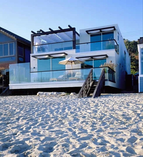 25 Spectacular Beach Houses that Will Take Your Breath Away (23)
