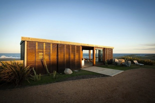 25 Spectacular Beach Houses that Will Take Your Breath Away (7)