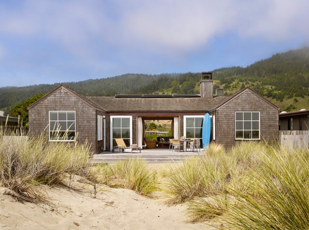 25 Spectacular Beach Houses that Will Take Your Breath Away (8)