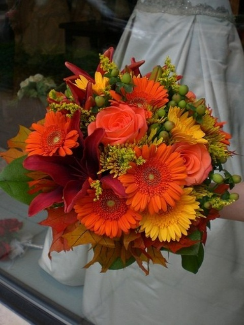 27 Romantic Fall Wedding Bouquets (24)