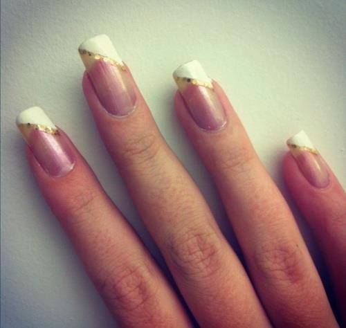 27 Simple and Cute Nail Art Ideas (16)