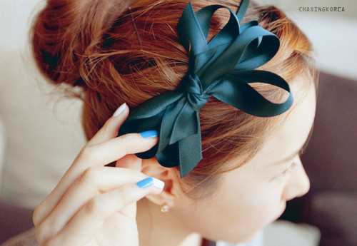 33 Adorable Hairstyles with Bows (1)