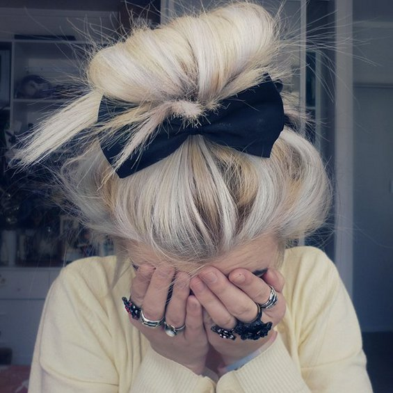 33 Adorable Hairstyles with Bows (11)