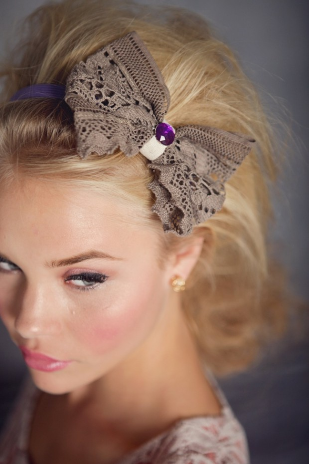 33 Adorable Hairstyles with Bows (14)