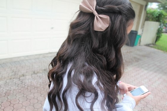 33 Adorable Hairstyles with Bows (19)