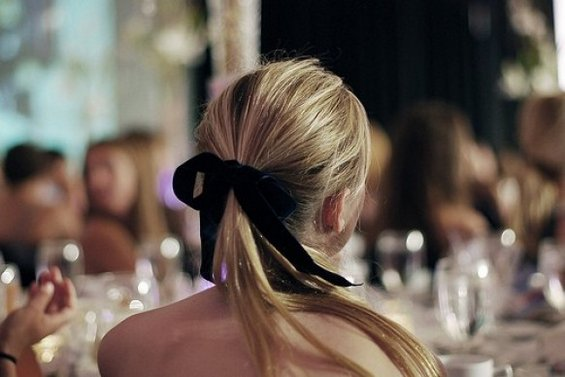 33 Adorable Hairstyles with Bows (21)