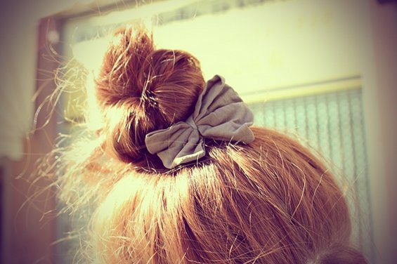 33 Adorable Hairstyles with Bows (28)