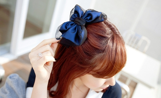 33 Adorable Hairstyles with Bows (29)