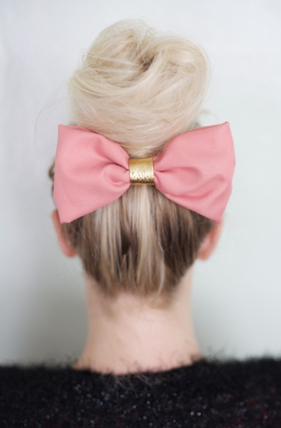 33 Adorable Hairstyles with Bows (3)