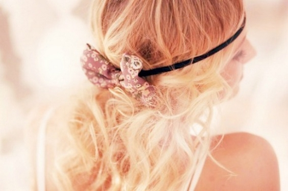 33 Adorable Hairstyles with Bows (30)