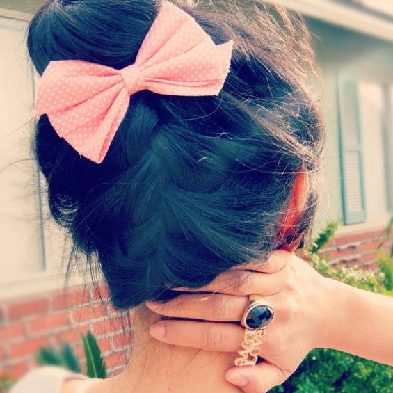 33 Adorable Hairstyles with Bows (6)