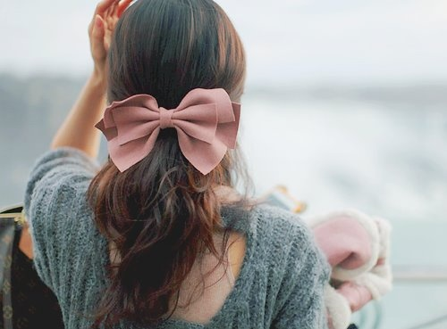 33 Adorable Hairstyles with Bows (9)