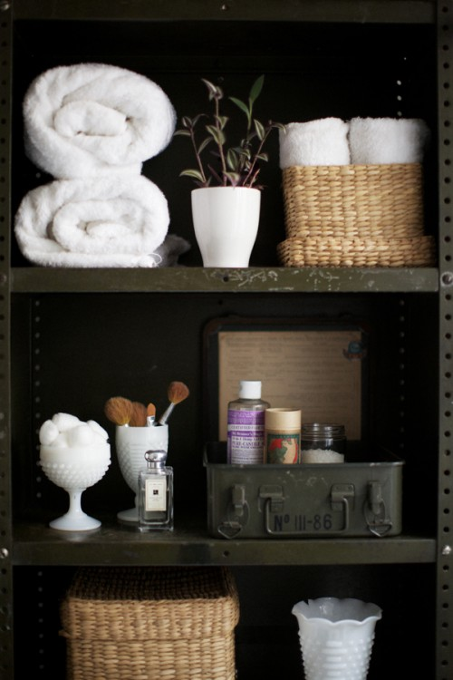 35 Great Storage and Organization Ideas for Small Bathrooms (7)