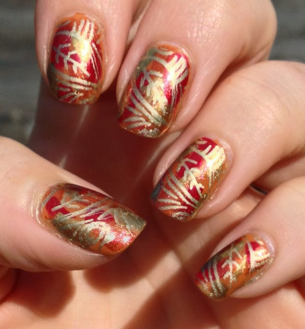 Golden Tones on Your Nails 24 Perfect Nail Art Ideas (1)