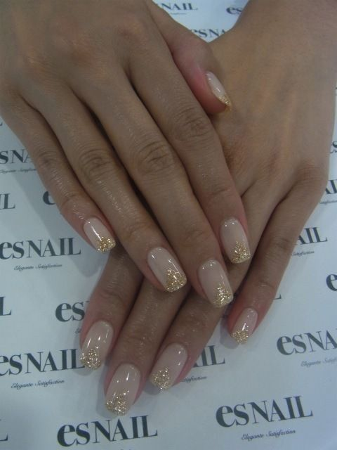 Golden Tones on Your Nails 24 Perfect Nail Art Ideas (10)