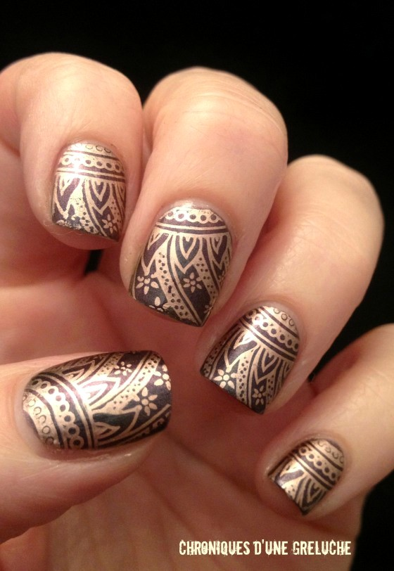 Golden Tones on Your Nails 24 Perfect Nail Art Ideas (15)