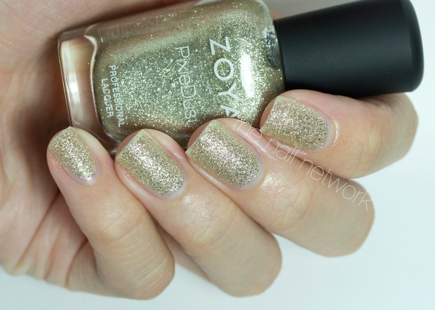 Golden Tones on Your Nails 24 Perfect Nail Art Ideas (2)