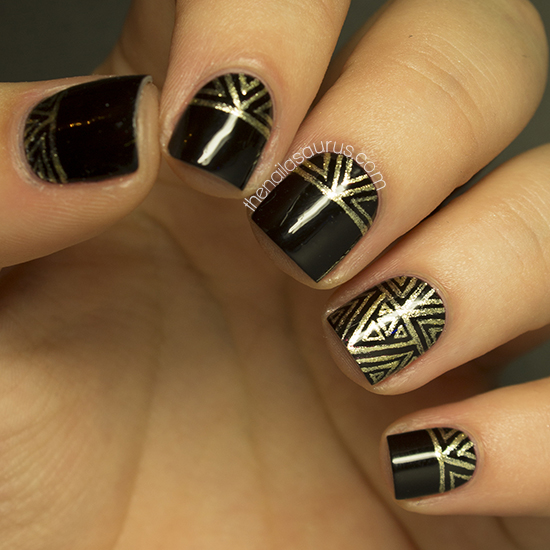 Golden Tones on Your Nails 24 Perfect Nail Art Ideas (20)