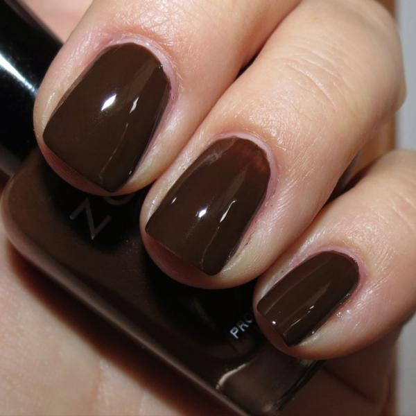 Nail Colors Winter: The Hottest Nail Polish Trends For Fall