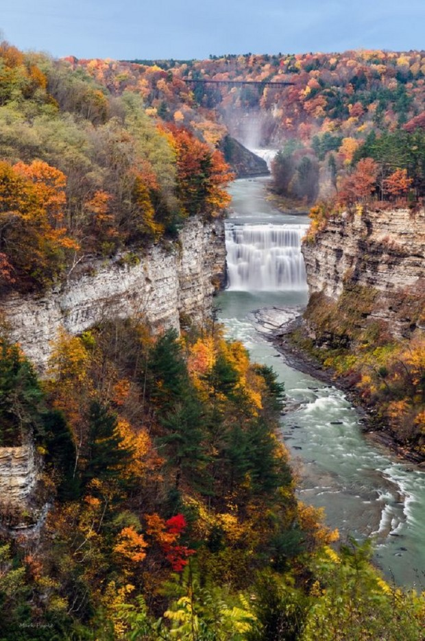 15 Beautiful Waterfalls in United States that Will Take Your Breath Away (1)