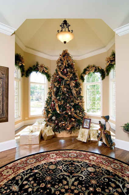 16 Amazing Christmas Tree Decorating Ideas - Style Motivation - photo#18