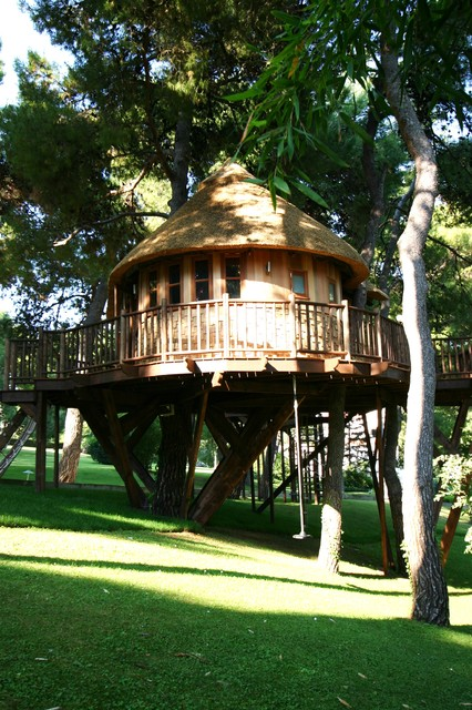 18 Amazing Tree House Design Ideas that Your Kids Will Love (3)