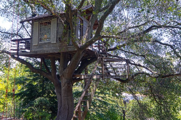 18 Amazing Tree House Design Ideas that Your Kids Will Love (5)