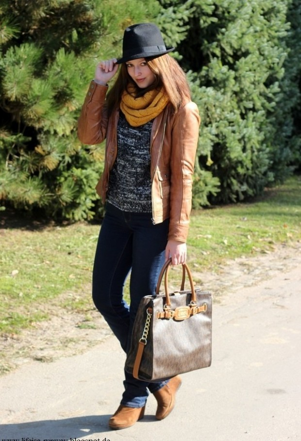 19 Chic and Stylish Outfit Ideas with Scarf for Cold Days (7)