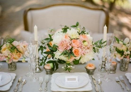 20 Amazing Floral Centerpieces for the Wedding of Your Dreams (11)