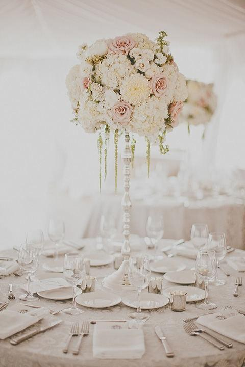 20 Amazing Floral Centerpieces for the Wedding of Your Dreams (18)