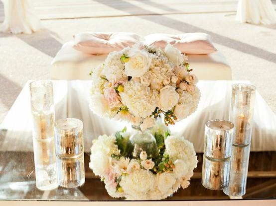 20 Amazing Floral Centerpieces for the Wedding of Your Dreams (19)